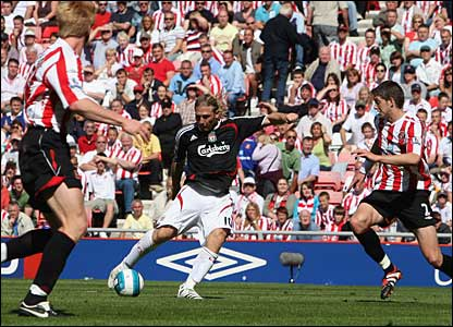 Andriy Voronin scores Liverpool's second goal at the Stadium of Light