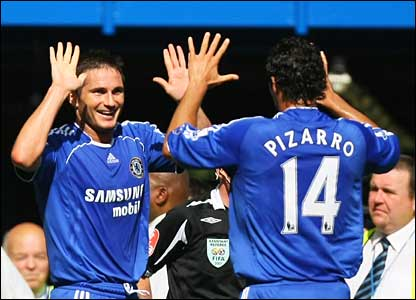 Chelsea's Frank Lampard and Claudio Pizarro celebrate the opening goal