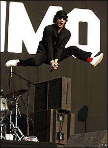 Maximo Park singer Paul Smith at Reading Festival 2007
