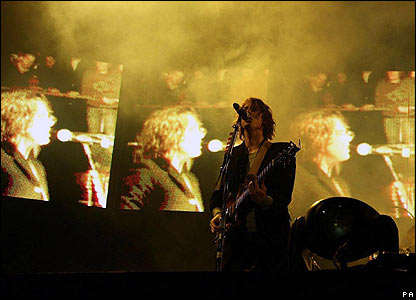 Razorlight singer Johnny Borrell at Reading Festival 2007