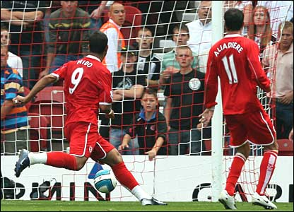 Mido equalises for Boro