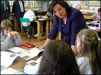 Fiona Hyslop with pupils