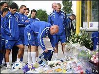 Everton squad at murder scene