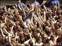 Festival crowdsurfer
