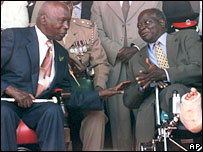 Kibaki (right) and Moi (left)  (File photo)