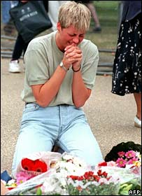 Woman grieving for Princess Diana