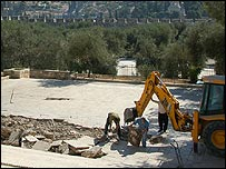 Dome of the Rock and excavation (photo: Martin Asser)