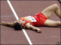El español Felipe Vivancos descans tras la competencia