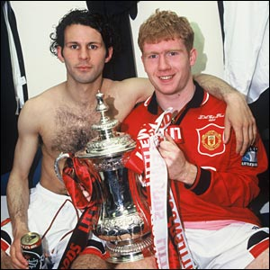 Paul Scholes (r) and Ryan Giggs celebrate Man Utd's 1996 FA Cup win