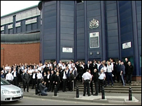 Prison officer picket line outside HMP Birmingham