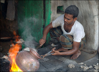 A metal worker in Hyderabad.