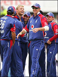 Andrew Flintoff (third left) and Kevin Pietersen (front) took vital wickets