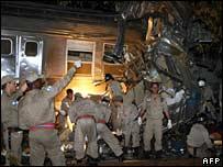 Wreckage of crashed train in Rio de Janeiro