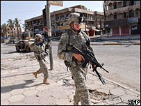 US army photo showing troops on patrol in Baghdad (31 August 2007)