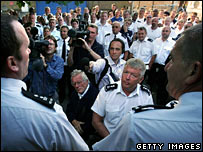 Prison officers on strike outside Wormwood Scrubs