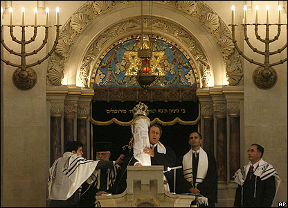 Rabbis at synagogue on Rykestrasse, Berlin