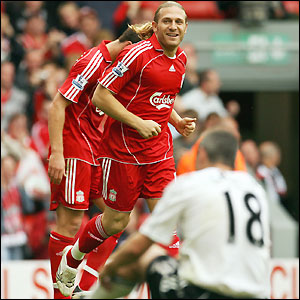 Voronin celebrates his goal