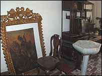 Interior de la casa de Noriega.  Foto: Demóstenes Ángel, diario La Prensa.