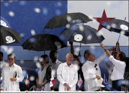 (l to r) Alvaro Uribe, Vivian Fernandez de Torrijos, Jimmy Carter, Jose Miguel Insulza and Daniel Ortega