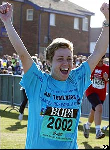 Jane Tomlinson completing the Great North Run in 2003