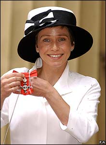 Jane Tomlinson becoming an MBE