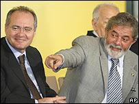 Renan Calheiros (L) with President Luis Inacio Lula da Silva