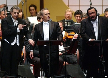 Luciano Pavarotti, right, with Placido Domingo, left, and Jose Carreras