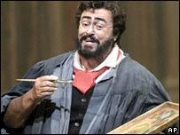 Luciano Pavarotti in Tosca in 2004