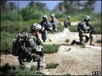 US troops during a foot patrol south of Baghdad (09/07)