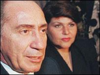 Lino Oviedo y su esposa. Foto de archivo.