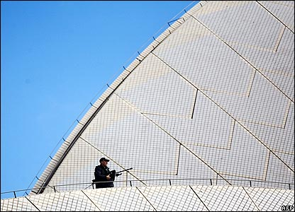 Police sniper on Sydney Opera House