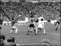 Ian Porterfield scores in the 1973 FA Cup final win over Leeds