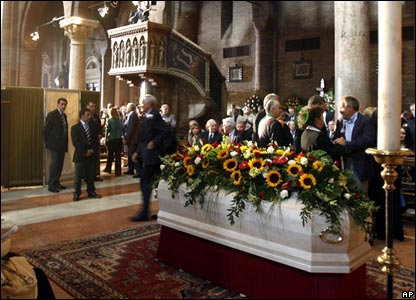 Pavarotti's coffin