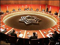 Apec economic leaders hold talks in Sydney