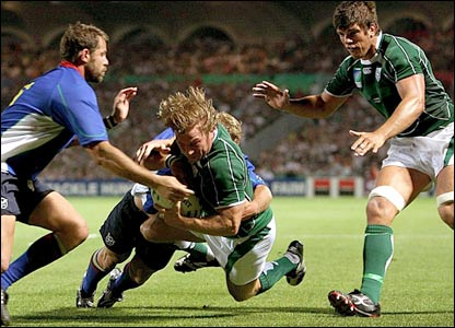 Jerry Flannery gets a late try