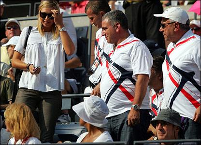Maria Sharapova and Robert De Niro (bottom right)