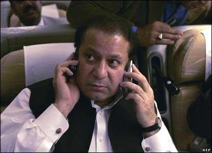 Nawaz Sharif flying to Islamabad
