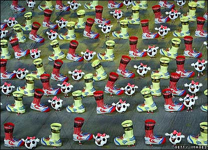 Artists perform during the opening ceremony of the 2007 Fifa Women's World Cup soccer tournament at the Hongkou Stadium in Shanghai, China