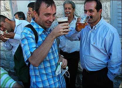 Nadim and guest (Photo: Martin Asser)