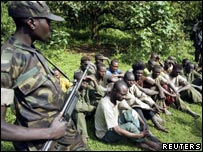 E Kivu insurgents with captured soldiers from regular Congo army