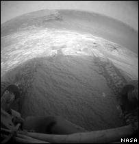 Rover tracks (Nasa/JPL-Caltech)