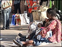 Thousands of Zimbabweans flee every week