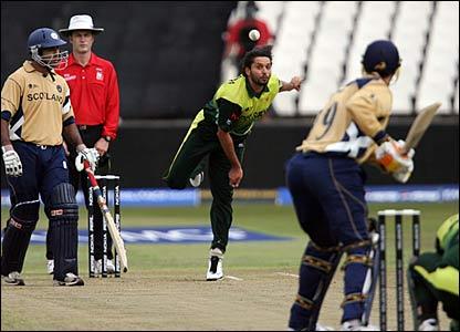 Shahid Afridi bowling against Scotland