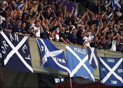 Scotland fans in Paris
