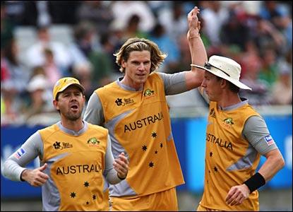 Australia celebrate a wicket