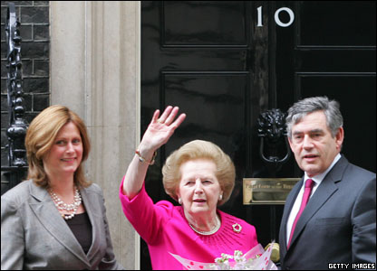 Former British Prime Minister Baroness Thatcher (C) bids farewell to current Prime Minister Gordon Brown (R) and his wife Sarah (L) after a meeting at 10 Downing Street,