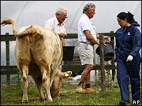 Defra official at Surrey farm