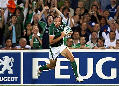 Girvan Dempsey scores Ireland's winning try