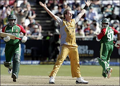 Brett Lee celebrates dismissing Alok Kapali lbw to complete his hat-trick