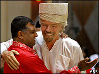 Tony Fernandes (L) with Sir Richard Branson